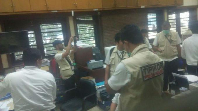 Surat Pemberitahuan Dimulainya Penyidikan (SPDP) kasus dugaan korupsi pengadaan barang persediaan kerajinan lorong-lorong pada Dinas Koperasi dan UKM Pemkot Makassar diterima Kejaksaan Tinggi (Kejati) Sulawesi Selatan (Sulsel).