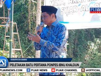Peresmian pembangunan Pondok Pesantren Tahfiz Quran Ibnu Khaldun di Desa Lempang Kecamatan Tanete Riaja, Kabupaten Barru, Sulawesi Selatan. Peresmian ditandai dengan peletakan batu pertama yang dilakukan Bupati Barru Suardi Saleh