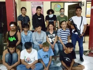 Para pelaku yang masih diinterogasi di Polrestabes Makassar (Gambar: Pijarnews)