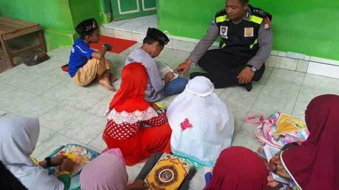 Polisi guru ngaji