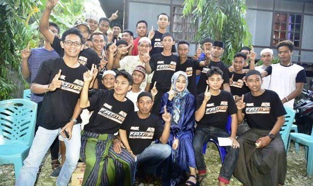 Fatmawati Rusdi mendapat sambutan meriah dari ribuan warga masyarakat Kelurahan Benteng, Kecamatan Baranti