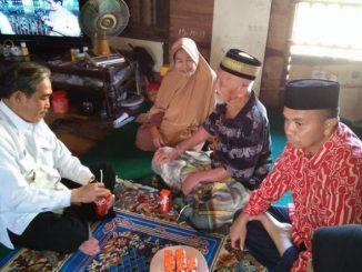 Dollah Mando Silaturrahim dengan Tomas Berusia 102 Tahun, Ini Perbincangannya