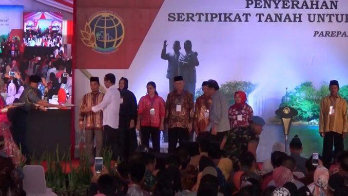 presiden jokowi sertifikat prona