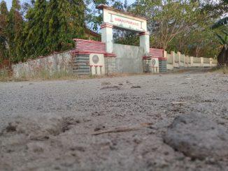 GALERI FOTO : Jalan Rusak Menuju SMK Negeri 3 Pinrang