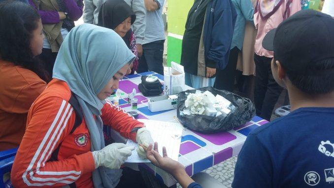 Warga Serbu Pemeriksaan Kesehatan Gratis di Lapangan Andi Makkasau