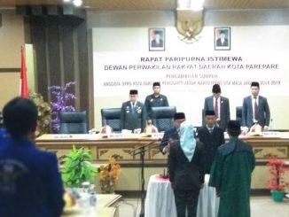 Suasana pelantikan Nuriaty Sjam sebagai Anggota DPRD Parepare. --foto fajaronline--