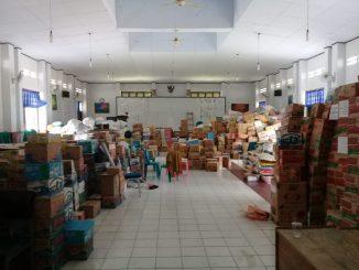 Bantuan Korban Gempa Sulteng yang masih disimpan di Aula Dinas Pendidikan Kota Parepare.