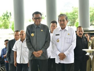 Gubernur Sulsel, Prof Nurdin Abdullah bersama Plt Bupati Sidrap H Dollah Mando.