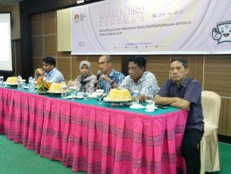 Rapat rekapitulasi dan penetapan hasil penyempurnaan Daftar Pemilh Tetap Hasil Penyempurnaan DPTHP-2, di Bukit Kenari Hotel, Sabt