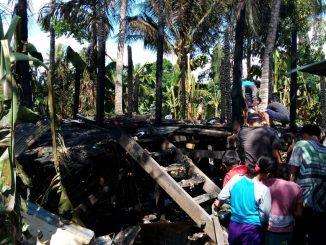 Diduga Akibat Korsleting Listrik, Rumah Nenek Patang Ludes Terbakar