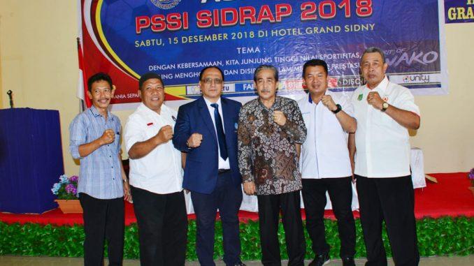 Buka Kongres Askab PSSI Sidrap, Dollah Mando : Maksimalkan Pemain Lokal
