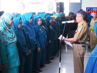 HM Taufan Pawe saat melantik pengurus tim PKK.