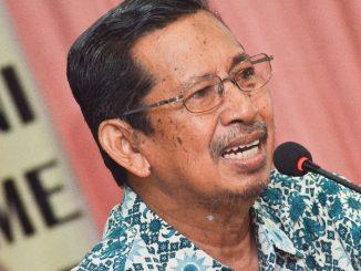 Rektor UM Parepare, Prof DR Siri Dangnga MS