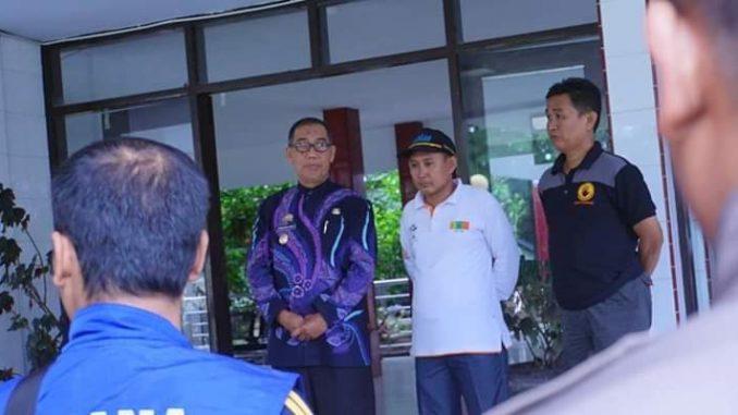 Wakil Walikota Parepare, Pangerang Rahim sebelum melapas pengiriman bantuan logistik ke Palu.