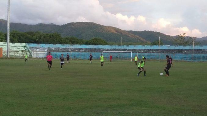 Pertandingan sepakbola antara Media FC dengan RSU Andi Makkasau FC.