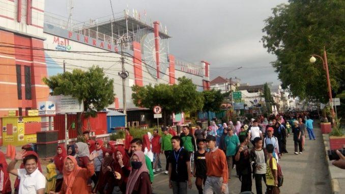 Jalan sehat jelang pelaksanaan Milad Muhammadiyah ke 106.