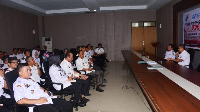 Sekda Sidrap Sudirman Bungi memimpin rapat rencana pemberian tunjangan kinerja (Tukin).