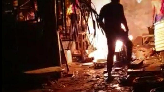 Mantan Kabid Damkar Sidrap Padamkan Api di Pinrang