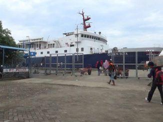Salah satu kapal penumpang sandar di Pelabuhan Nusantara Parepare.