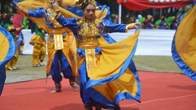 penari kolosal