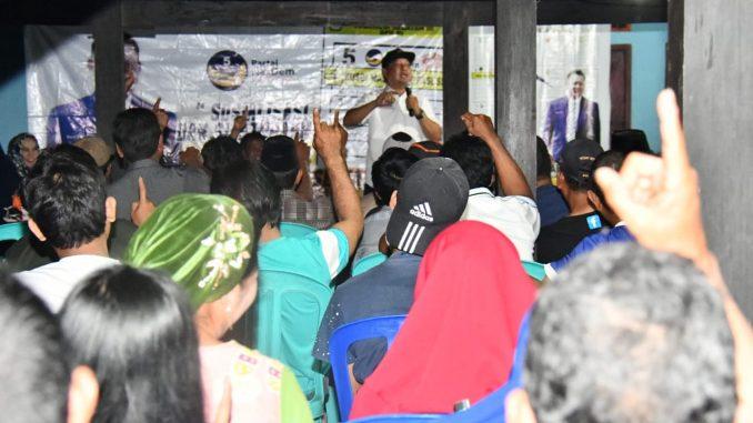 RMS saat berorasi di Lingkungan Boki, Kelurahan Pammase, Kecamatan Tiroang, Pinrang.