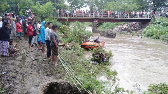Hari Lebaran, Tim SAR Gabungan Masih Cari Bocah Tenggelam di Sidrap