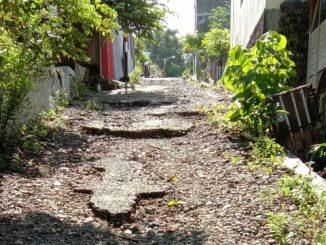 Warga Pondok Indah Parepare Keluhkan Jalan Rusak