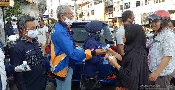 NasDem Parepare Kembali Membagikan Ratusan Hand Sanitizer dan Masker