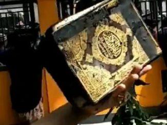 Mujizat, Al Quran tak Terbakar saat Rumah Kebakaran