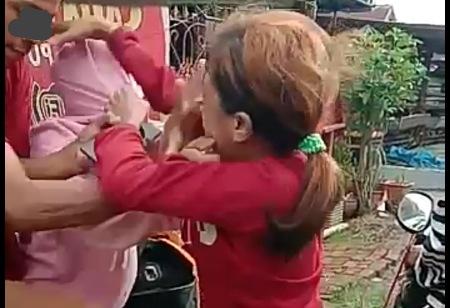 Viral, Gara-gara Baju Dua Remaja Perempuan Adu Jotos di Pinrang