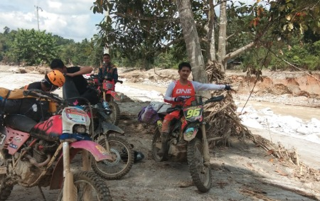 Bawa Bantuan, Perkasa Trail Pinrang Tembus Desa Terjauh di Luwu Utara