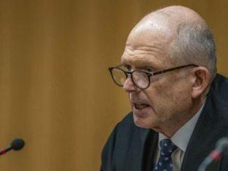 Hakim Mander vonis hukuman seumur hidup