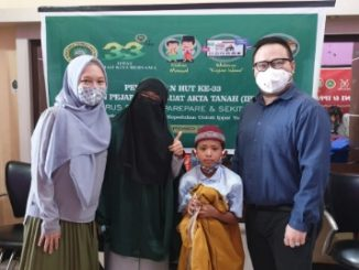 Peringati HUT 33, IPPAT Parepare Sunat Massal 20 Anak