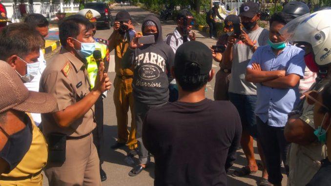 Pembatasan Jam Malam Dianggap Merugikan, Warga Pinrang Unjukrasa Protes Surat Edaran Bupati